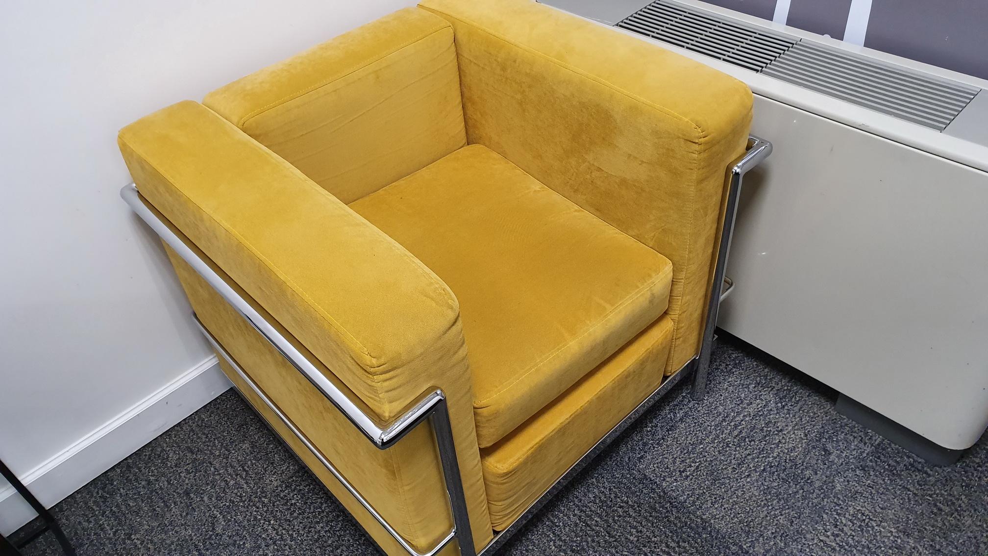 Sofa LC1